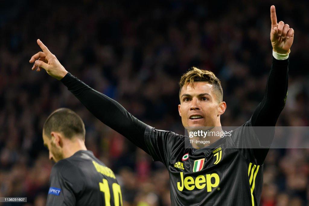 Ajax v Juventus - UEFA Champions League Quarter Final: First Leg : News Photo