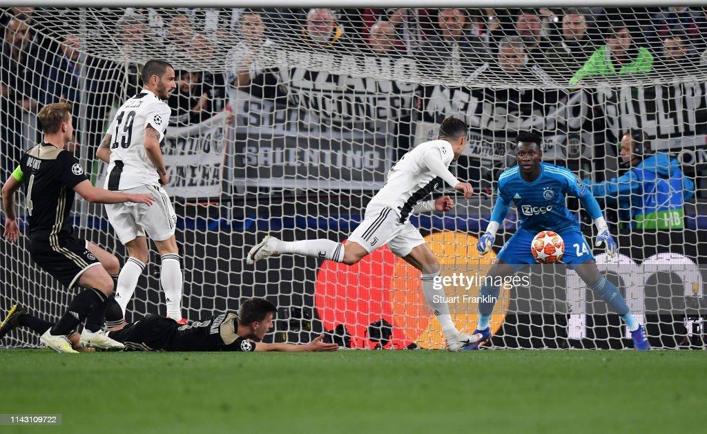 Juventus v Ajax - UEFA Champions League Quarter Final: Second Leg : Foto jornalística