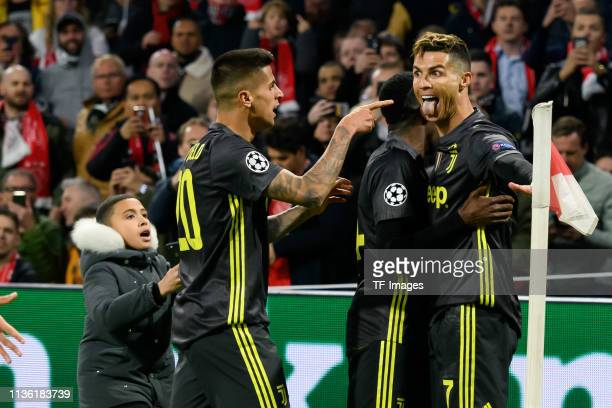 Christiano Ronaldo of Juventus Turin celebrates after scoring his team's first goal with team mates during the UEFA Champions League Quarter Final...