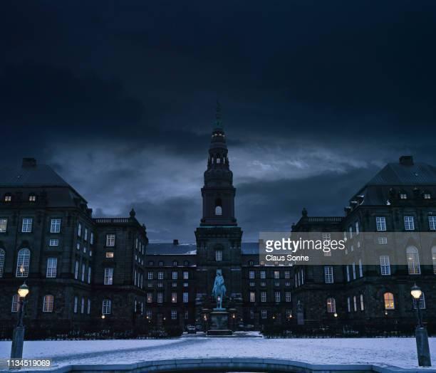 christiansborg palace, copenhagen, denmark, europe - クリスチャンスボー城 ストックフォトと画像