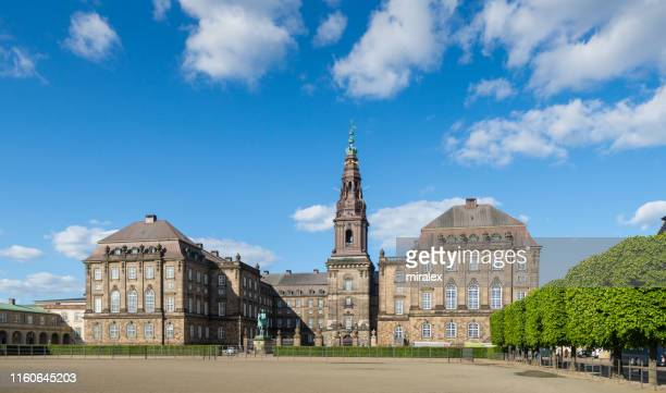 christiansborg palace in copenhagen, denmark - christiansborg palace stock pictures, royalty-free photos & images