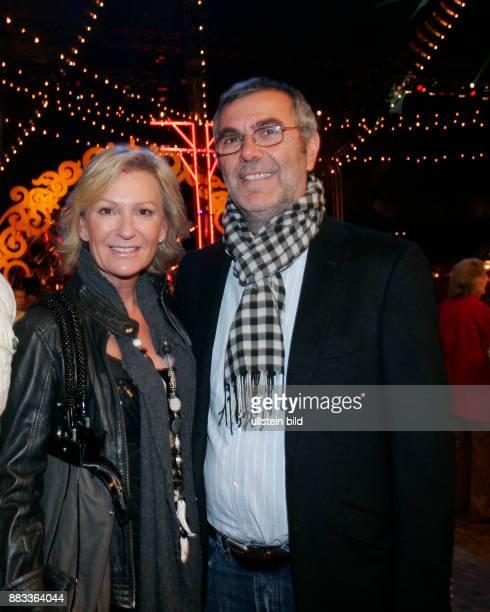 Christiansen Sabine Moderatorin Botschafterin des Kinderhilfswerks UNICEF D mit Ehemann Norbert Medus waehrend der Eroeffnung der Modemesse 'Bread...