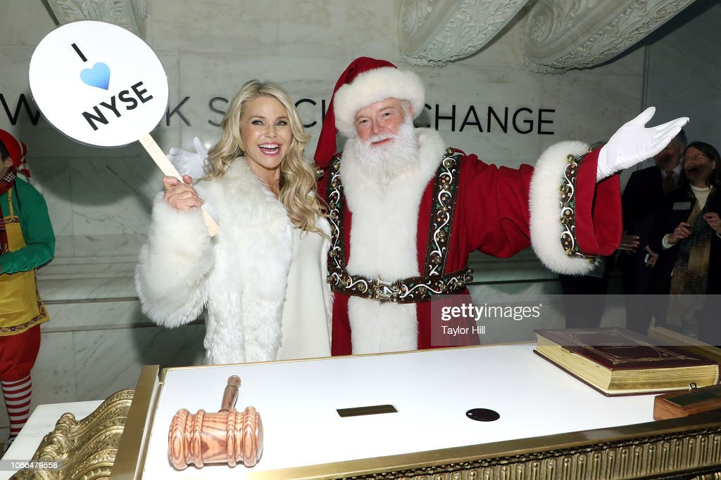 New York Stock Exchange Celebrates 95th Annual Christmas Tree Lighting : News Photo