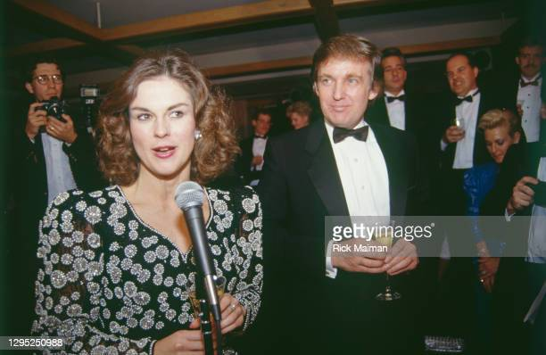 Christie Hefner et Donald Trump au 35éme anniversaire de Playboy à New-York.