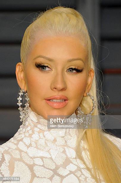 Christina Aguilera arrives at the 2015 Vanity Fair Oscar Party at Wallis Annenberg Center for the Performing Arts on February 22 2015 in Beverly...