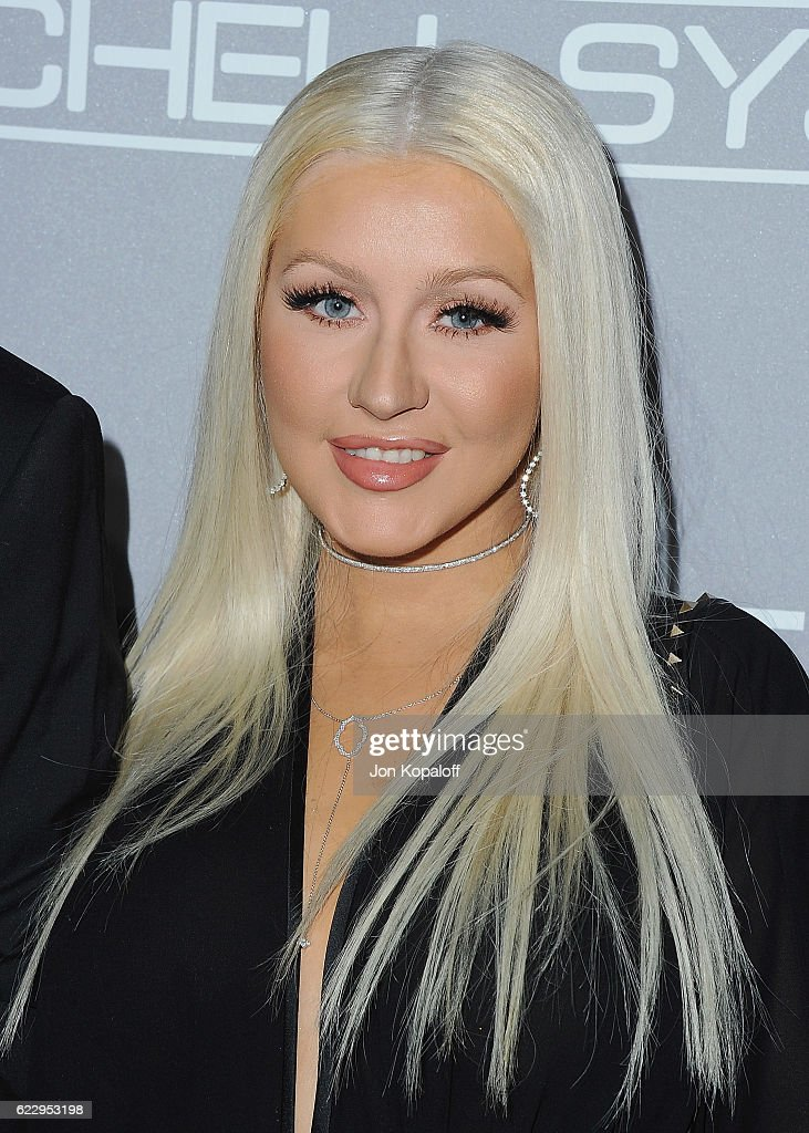 Christina Aguilera arrives at the 5th Annual Baby2Baby Gala at 3LABS on November 12, 2016 in Culver City, California.