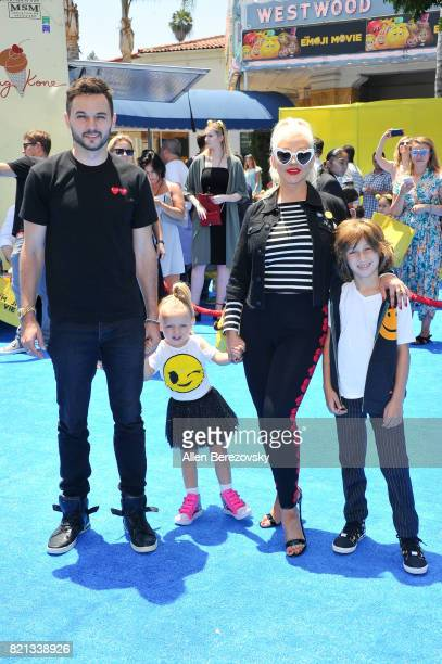Christina Aguilera Matthew Rutler Max Liron Bratman and Summer Rain Rutler attend the premiere of Columbia Pictures and Sony Pictures Animation's The...