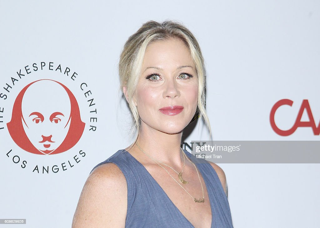 26th Annual Simply Shakespeare Benefit - Arrivals : News Photo