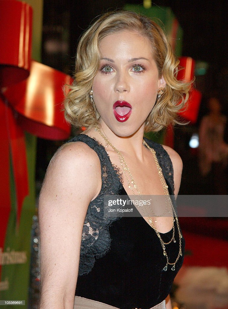 """Surviving Christmas"" Los Angeles Premiere - Red Carpet : News Photo"