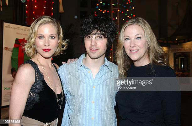 Christina Applegate Josh Zuckerman and Catherine O'Hara