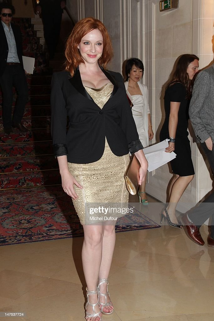 Christina Hendricks arrives the Versace Haute-Couture Show as part of Paris Fashion Week Fall / Winter 2012/13 on July 1, 2012 in Paris, France.
