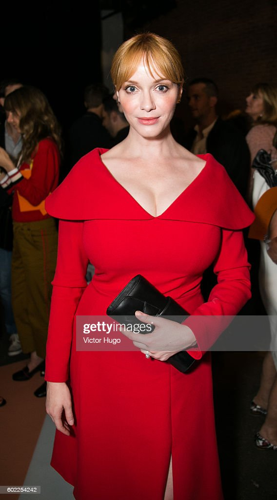 Christina Hendricks attends Christian Siriano - Front Row - September 2016 - New York Fashion Week: The Shows at ArtBeam on September 10, 2016 in New York City.