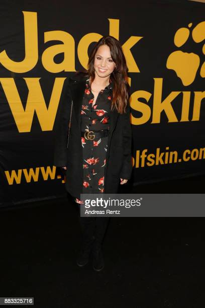 Christina Luft attends the exclusive preview of 'Zwischen zwei Leben The Mountain between us' at Filmpalast Cologne on November 30 2017 in Cologne...