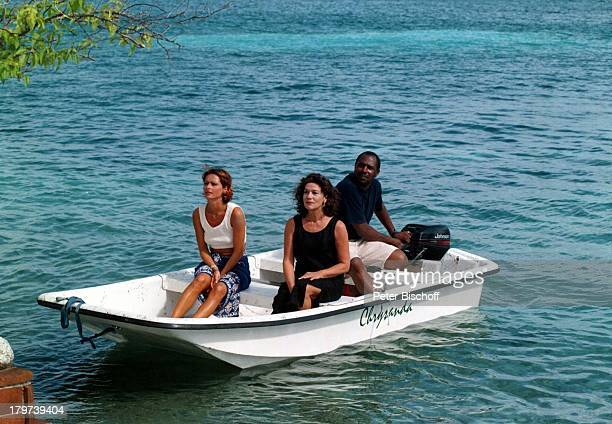 Christina Plate Hannelore Elsnereinheimischer Bootsführer ZDFSerie Traumschiff Folge 32 Jamaica/GalapagosInseln Karibik Jamaica/Karibik Boot...