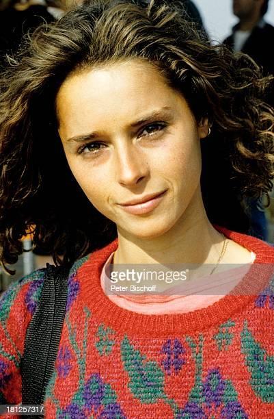 Christina Plate Porträt geb 21 April 1965 Sternzeichen Stier 7teilige ZDFSerie Urlaub auf italienisch Italien Portrait Schauspielerin Promis...