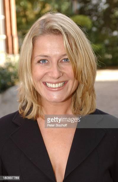 """Christina Rainer, Portrait, Schauspielerin, ZDF-Serie """"Samt und Seide, 100.Folge, Augsburg,, Porträt, Promis, Prominenter, Prominente,"""