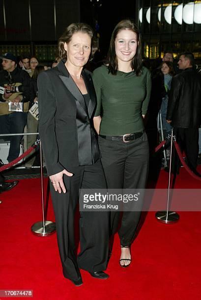 Christina Rau Mit Tochter Laura Bei Deutschlandpremiere Von Catch Me If You Can In Berlin Am 260103
