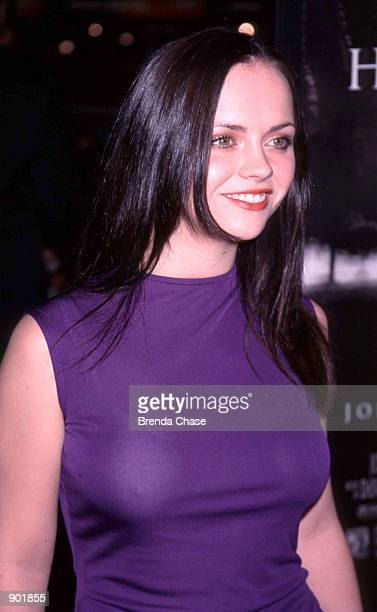 Christina Ricci arrives for the Los Angeles premiere of the movie Sleepy Hollow November 17 1999