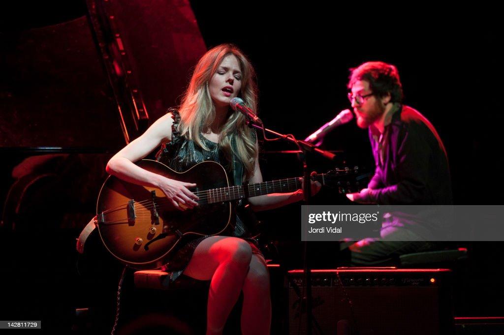 Christina Rosenvinge Performs In Barcelona : Fotografía de noticias