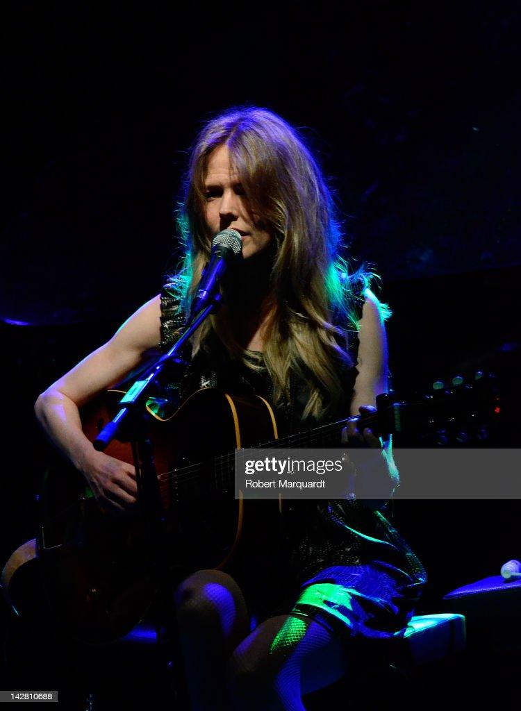 Christina Rosenvinge Performs in Concert in Barcelona : Fotografía de noticias