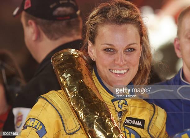 """Christina Surer , Pro 7-""""TV Total Stock Car Challenge"""" 2006, Gelsenkirchen, Deutschland, , P.-Nr. 1476/06, """"Veltins Arena"""", Siegerehrung, Overall,..."""