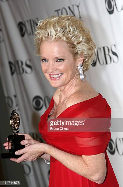 Christine Ebersole winner Actress for 'Grey Gardens'