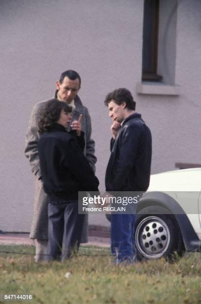Christine et JeanMarie Villemin lors d'une reconstitution de la disparition de leur fils Gregory retrouve mort noye le 30 octobre 1985 a...