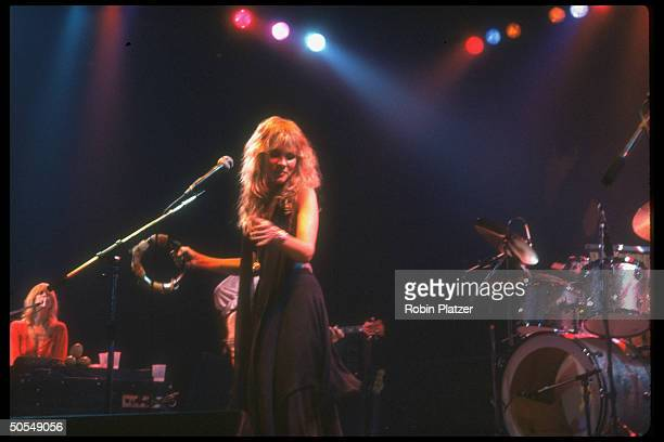 Christine McVie and Stevie Nicks of the rock group Fleetwood Mac