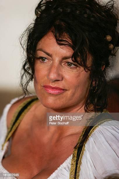 Christine Neubauer ARDMärchenFilm 'Tischlein deck dich' vom WDR für ARDWeihnachtsReihe '6 auf einen Streich' Set LWLFreilichtmuseum Detmold...