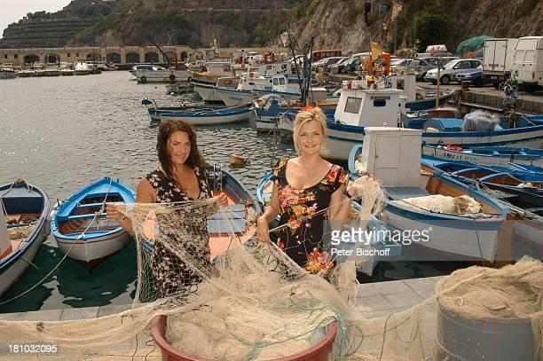 Christine Neubauer Katharina Schubert ARDSerie Unter weißen Segeln Leinen los 2 Folge Cecara/Italien Schauspielerin Mittelmeer Netz Fischernetz...