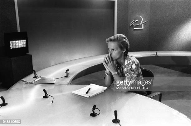 Christine Ockrent prépare son retour au journal d'Antenne 2 le 6 septembre 1988 à Paris France
