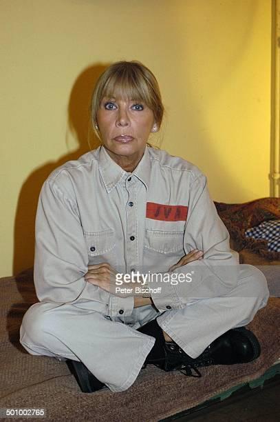 Christine Schuberth RTLSerie Hinter Gittern der Frauenknast Berlin PNr 1113/22005 Schauspielerin Knast Gefängnis Insassin Gefangene Häftling Promi LD...