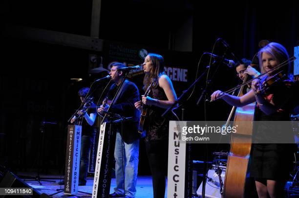 Christine ScottBenson Darin Aldridge Brook Aldridge Allan Bartram and Rachel Johnson of Darin Brooks Aldridge perform for Music City Roots at The...