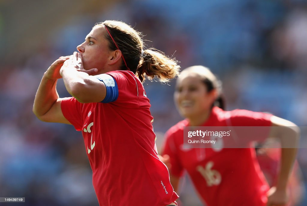 Olympics Day 1 - Women's Football - Canada v South Africa : News Photo