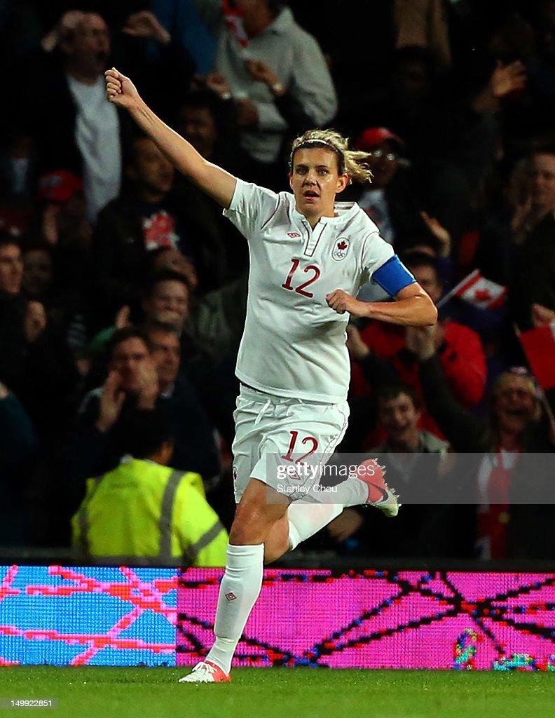 Olympics Day 10 - Women's Football S/F - Match 24 - Canada v USA : News Photo