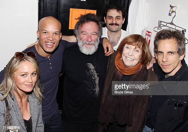 Christine Taylor Glenn Davis Robin Williams Arian Moayed Anne Meara and Ben Stiller pose backstage at the hit play Bengal Tiger At The Baghdad Zoo on...