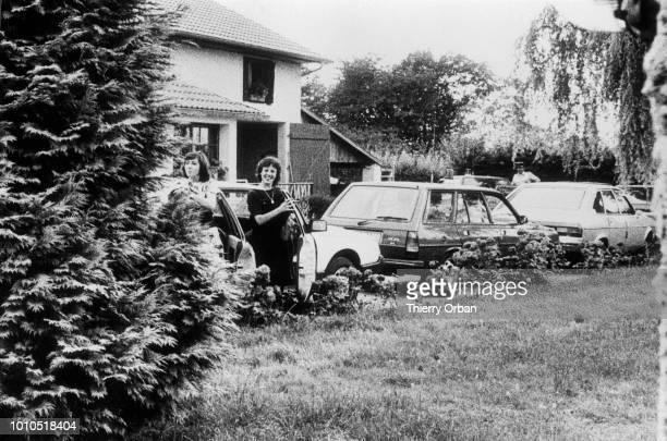 Christine Villemin rentre chez sa grandmère après sa libération de la prison de Metz