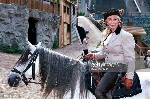 Christine Zierl Bad Segeberg KarlMayFestspiele 50jähriges Jubiläum Hut Pferd