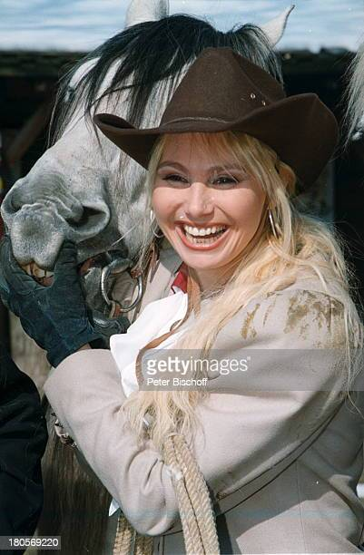 Christine Zierl Pferd KarlMayFestspiele Bad Segeberg WesternKostüm Tier Hut Stetson Cowboy