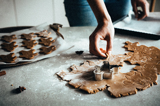 Christmas baking, gingerbread man - gettyimageskorea