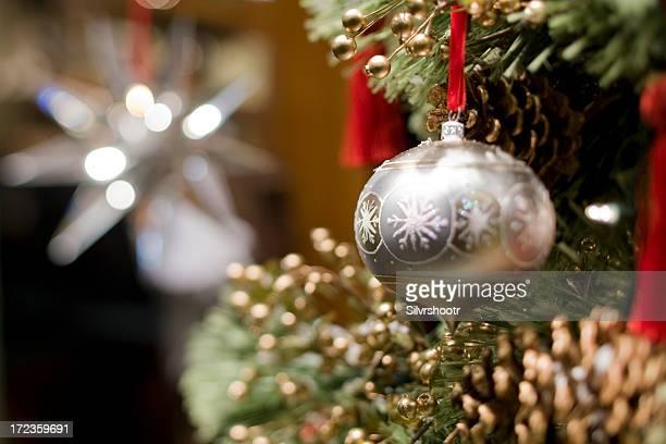 クリスマスツリーのボールの中