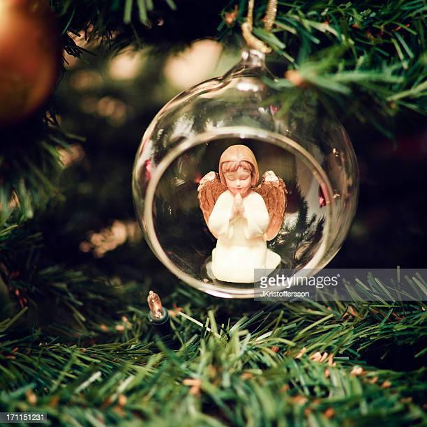 Weihnachtskugel mit Beten Angel