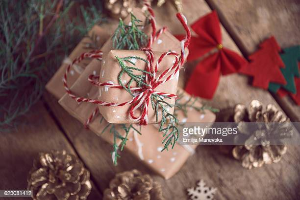 christmas boxes - country christmas stock pictures, royalty-free photos & images