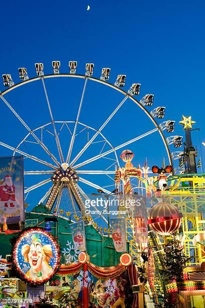 christmas carnival in berlin - 遊園地の乗り物 ストックフォトと画像