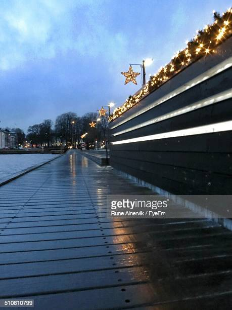 christmas decoration at lakeside - mere noel stock pictures, royalty-free photos & images