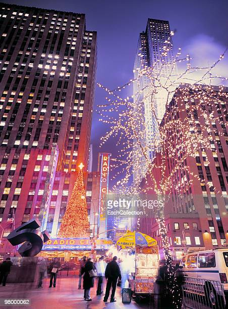 christmas decoration at the avenue of the americas - rockefeller centre stock pictures, royalty-free photos & images