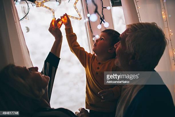 Decorazione di Natale con i nonni