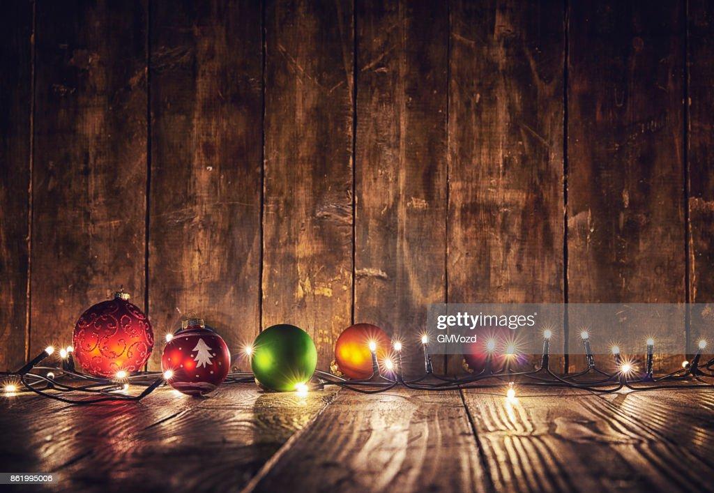 Ornamentos y decoración de Navidad con luces de Navidad : Foto de stock