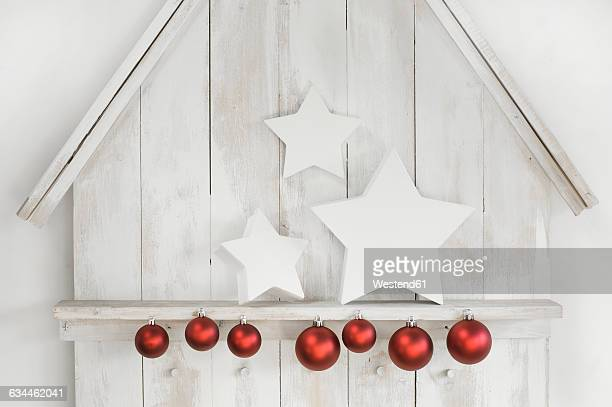 Christmas decoration with stars and Christmas baubles