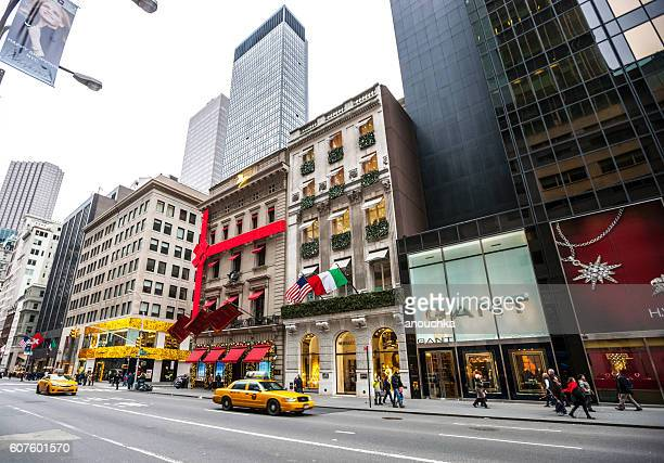 christmas decorations on new york streets, usa - fifth avenue stock pictures, royalty-free photos & images